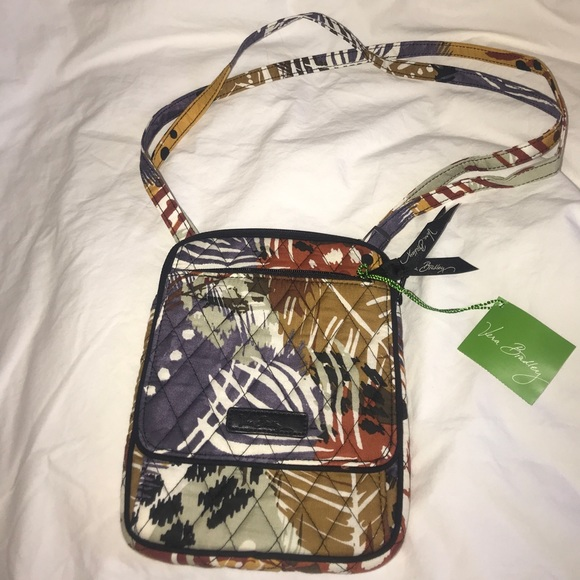 059068f7a256 Vera Bradley Mini Hipster in Painted Feathers. NWT